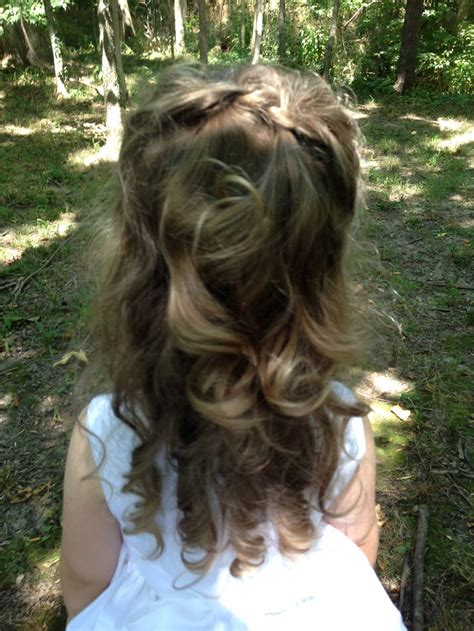 Wedding Hairstyles For Toddlers by 25 Best Ideas About Toddler Wedding Hair On