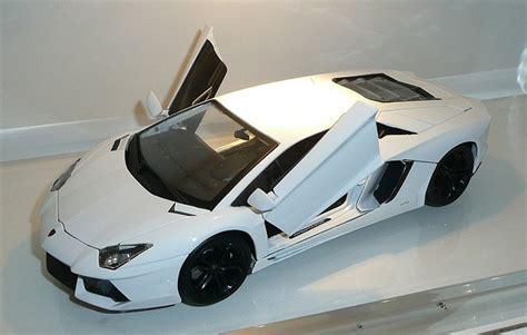 Lamborghini Small Model Bburago S 1 18 Scale Diecast Model Lamborghini Aventador