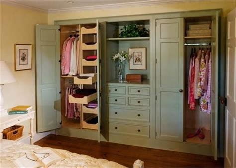 closet companies 25 best ideas about sliding closet doors on pinterest