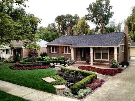 corner front yard landscaping ideas