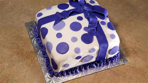 cake decorating ideas  fondant  beginners