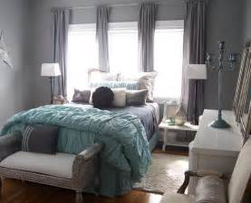Displaying 20 gallery images for aqua and gray bedroom