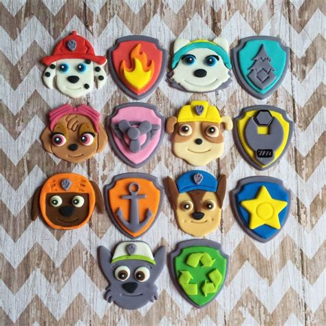 Cake Topper Besar Paw Patrol fondant paw patrol cupcake toppers pups and or shield