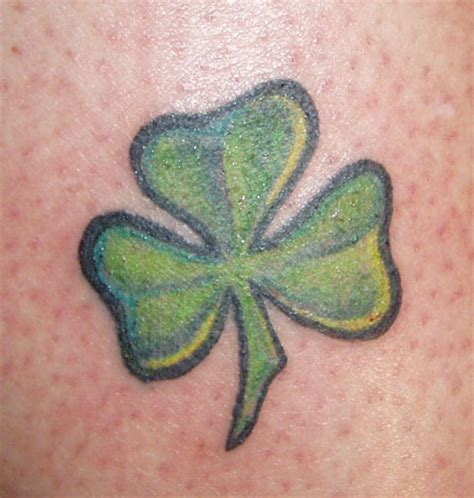 small shamrock tattoo designs 20 dazzling small celtic designs