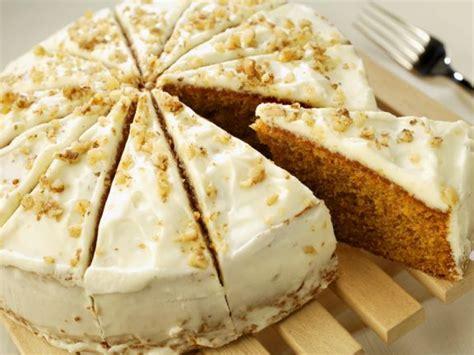 kuchen mit frischen orangen karotten orangen kuchen mit glasur rezept eat smarter