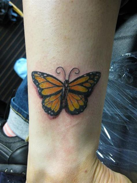 butterfly on wrist tattoo monarch butterfly wrist tattoos