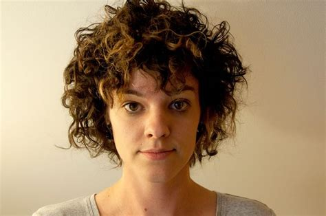 expression curl curly short hair bob expression pinterest curly