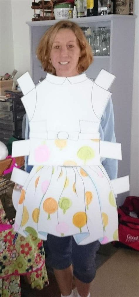 How To Make A Paper Doll Costume - diy paper doll costume paperblog