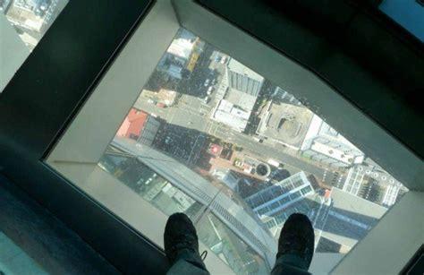 Visite de la tour du CN de Toronto (Ontario, Canada)