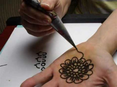 how to henna tattoo yourself henna in 3 1 2 min