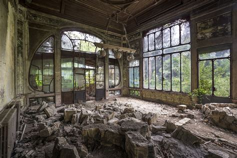 libro abandoned places abandoned places interview with matt emmett master of photographing abandoned places