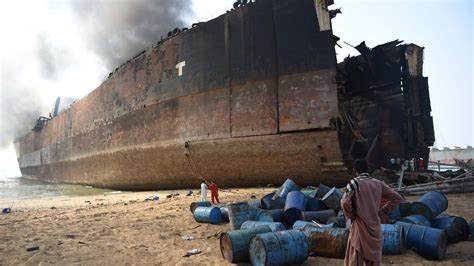 shipping to pakistan death toll rises to 26 in pakistan shipbreaking blast