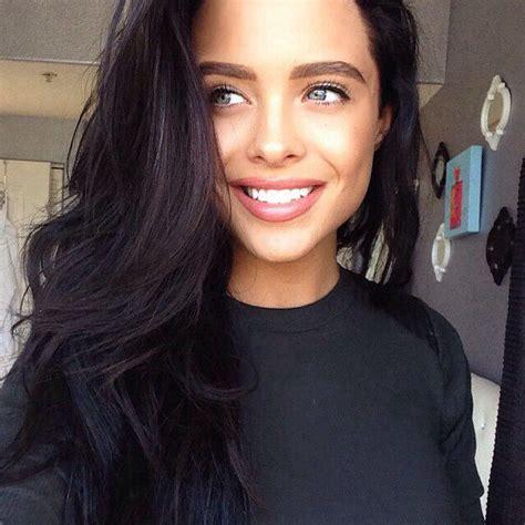 girl with black hair blue eyes dark hair blue eyes hot girls pinterest dark hair