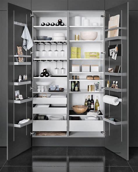 armadietti cucina pin di rasa su virtuve cucine cucine moderne e dispensa