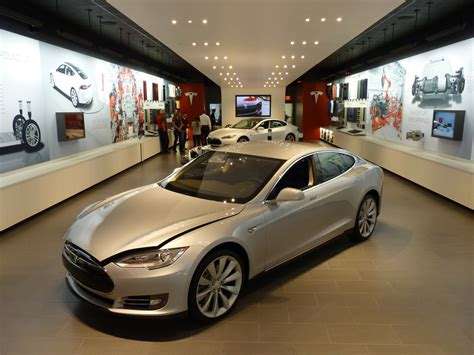Tesla Illegal Tesla Accused Of Operating Illegal Showrooms In 4 States