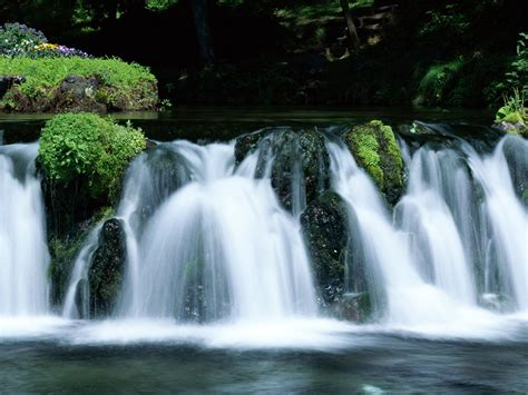 desktop themes nature waterfall wallpapers waterfalls scenery wallpapers
