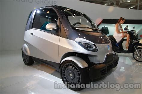 piaggio ap 233 city diesel autorickshaw launched at 1 8 lakh