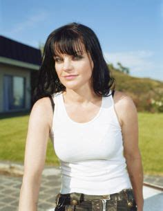 uk celebrities born in 1969 pauley perrette in swimmingpool pauley perrette photo
