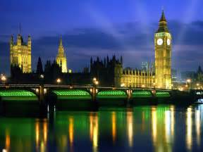 world visits london england at night view look very nice the lights of london history comes alive at night