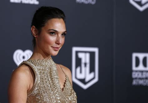 actress amy of justice league crossword watch gal gadot music video star israel news