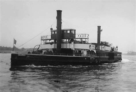 thames river boats from woolwich woolwich free ferry river thames 1960 169 ray bird cc by sa
