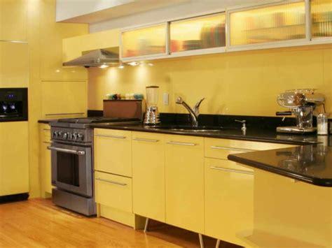 gelbe welche wandfarbe coole k 252 chen wandfarbe gelb orange und rot archzine net