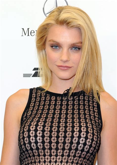 Jessica Stam Model   Windows Mode