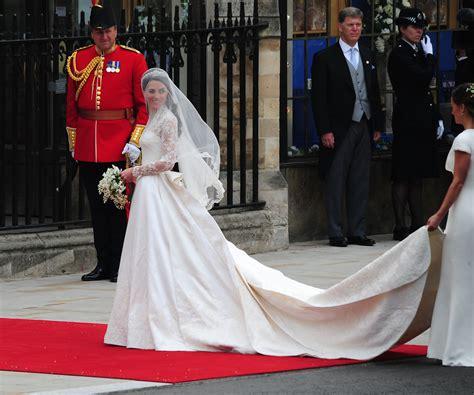 Kostum Pangeran William kate middleton dari kostum penyihir untuk
