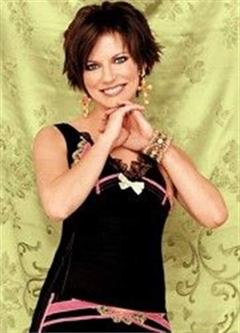 country singer cut hair short country singer cut hair short martina mcbride on pinterest