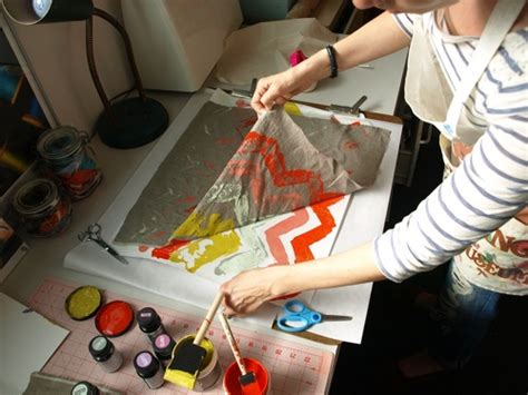 watercolor monoprint tutorial creative diy monoprint fabric to use with your pillows