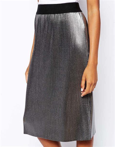 asos midi skirt in pleated metallic in silver lyst