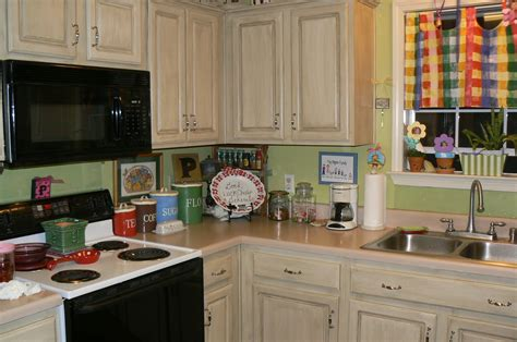 Easiest Way To Paint Kitchen Cabinets Painted Kitchen Cabinets Chalk Painted Kitchen Cabinets