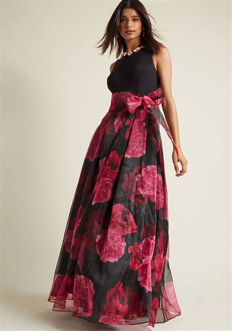 Black White Show Me Dress 25044 eliza j prestige floral maxi dress in black modcloth