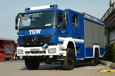 Topi Trucker Evolution thw to use mercedes emergency vehicles autoevolution