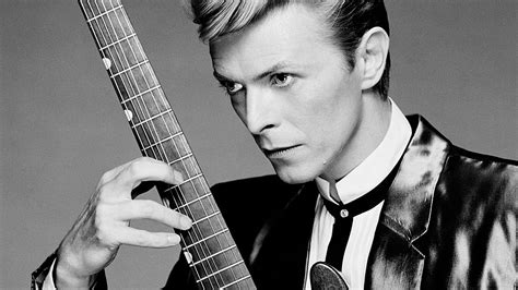 rock stars that have passed away in 2016 david bowie legendary rock and fashion icon died red