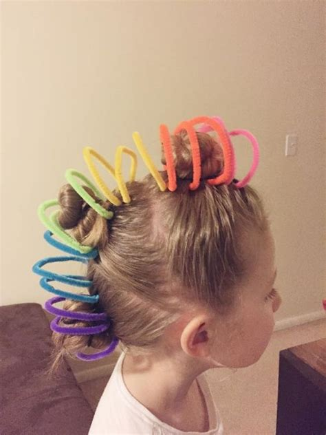 Hairstyles For Hair Day by 30 Hair Day Ideas For Stay At Home