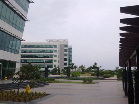 In Hcl Noida For Mba Marketing by Hcl Sholingnallur Sdb3 Hcl Technologies Office Photo