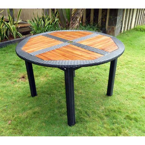 ensemble table ronde de jardin en teck et chaises de