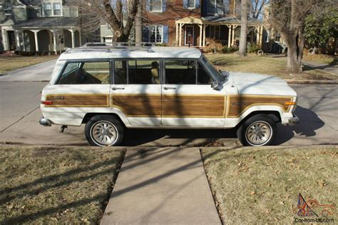 jeep wagoneer white 1987 jeep grand wagoneer white with wood paneling