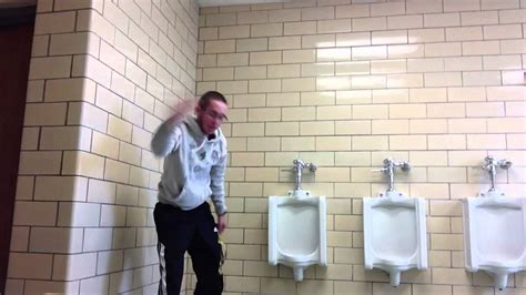 bathroom twerk school bathroom twerk youtube