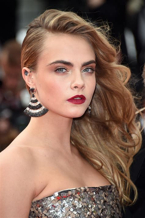 side hairstyle   trend   red carpet