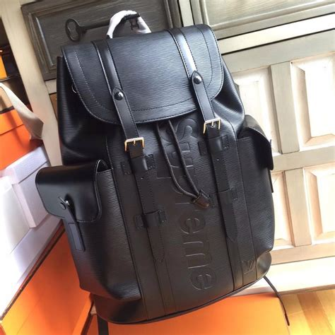 Dompet Lv X Supreme supreme x louis vuitton christopher backpack check now