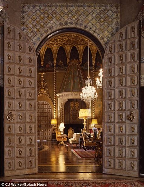 inside mar a lago inside the very flashy mar a lago resort where trump is