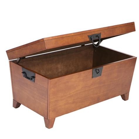 Amazon Com Sei Pyramid Trunk Cocktail Table End Tables Trunk Coffee Table