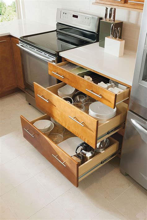 kitchen cabinet bases three drawer base cabinet aristokraft cabinetry