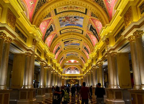 top  tourist attractions  macau  gambling