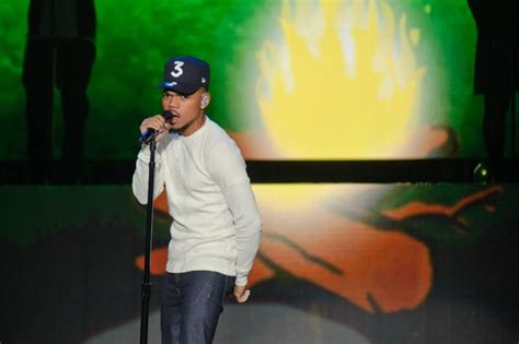 Spotify Gift Card International - chance the rapper teams up with starbucks spotify for holiday gift cards mp3