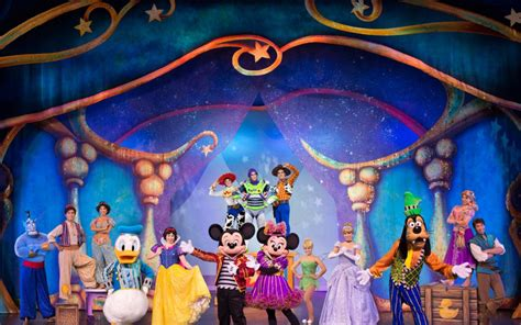magic mickey and minnie disney doorway to live win four tickets to see disney live mickey and minnie s