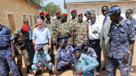 south sudan police south sudan member of national security services defects