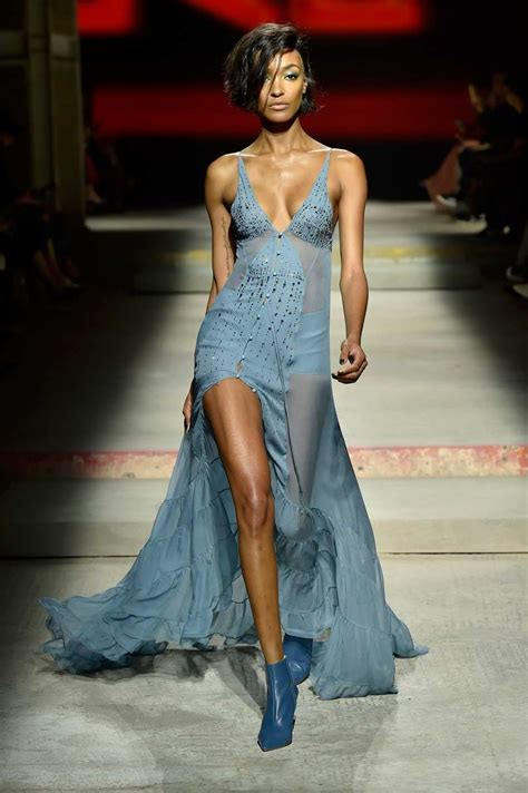 Frock Horror Of The Week Catwalk 9 by Catwalk And Protest Highlights Of Fashion Week